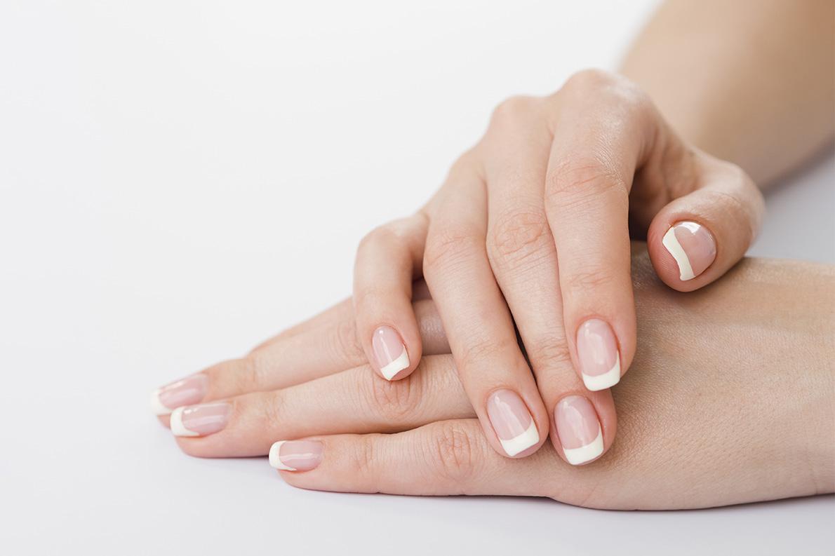 Jak wygląda zabieg parafinowy na dłonie - Salon Kosmetyczny Białystok - Żelazna 5 Klinika Urody